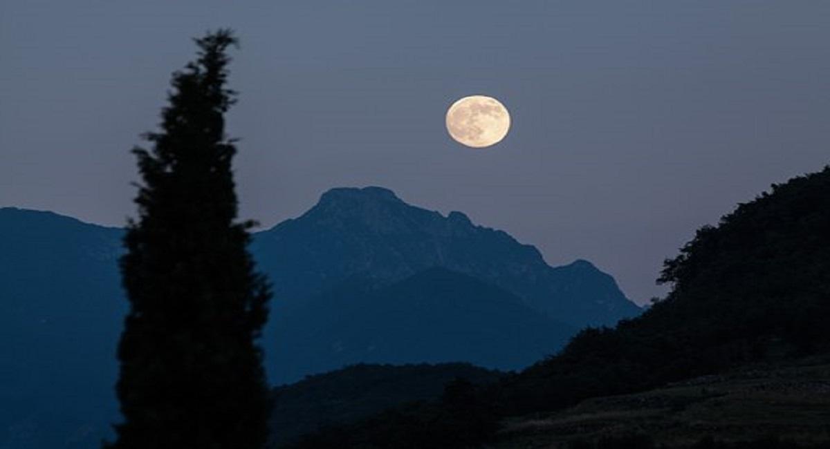 सपने में चंद्रमा देखना