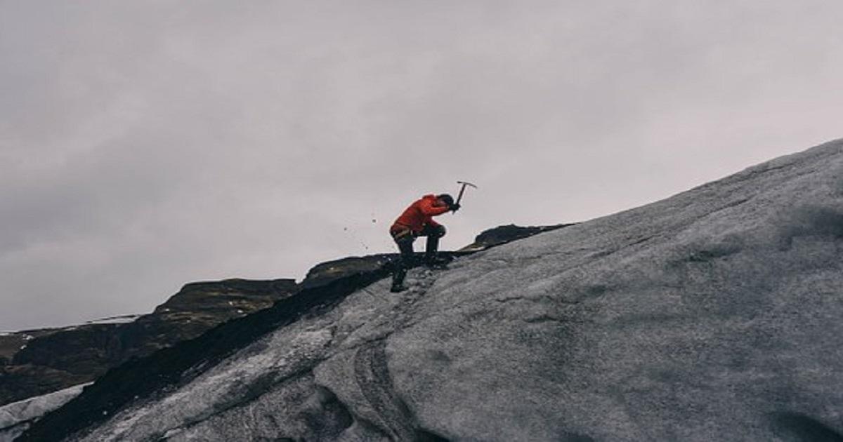सपने में पहाड़ चढ़ना