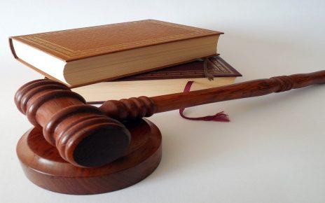 सपने में वकील देखना