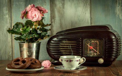 सपने में रेडियो सुनना