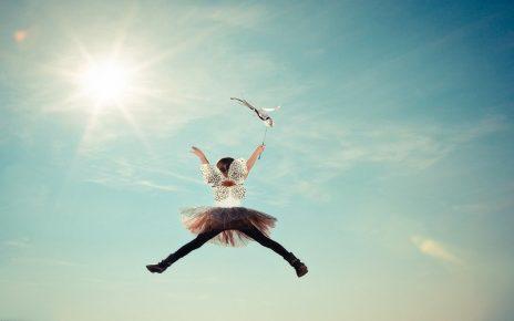 सपने में स्वयं को उड़ते हुए देखना