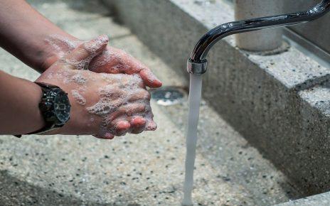 सपने में हाथ धोना